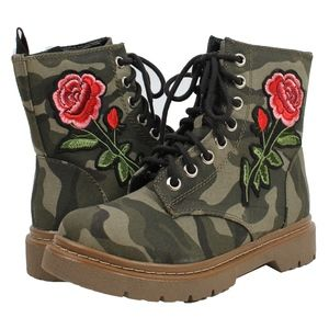 Shoes - Camouflage Lace Up Rose Embroidered Military Boot